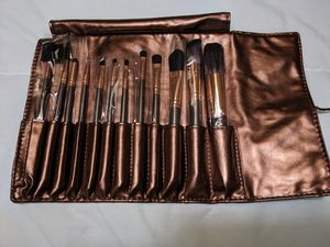 12 piece makeup brush set for Sale in Everett, WA