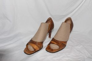 Gucci snakeskin heels Authentic for Sale in PT CHARLOTTE, FL
