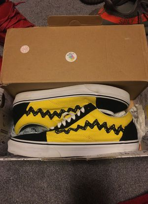 Rare soldout Charlie Brown Vans 9.5 for Sale in Fort Washington, MD