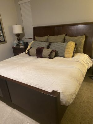 Beautiful King Size bed frame : amazing deal! for Sale in Menifee, CA