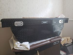 Husky truck tool box for Sale in St. Petersburg, FL