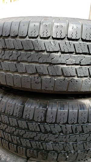 4 good year tires and rims 265/70r17 for Sale in Rancho Cucamonga, CA