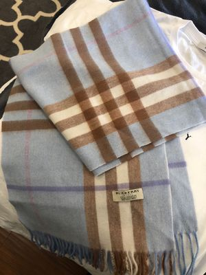 Burberry scarf for Sale in Santa Monica, CA