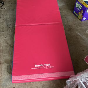 Gymnastics mat for Sale in Sterling Heights, MI