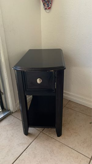 Side table for Sale in Pomona, CA