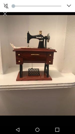 Music 🎶 box 35dls for Sale in Bell, CA
