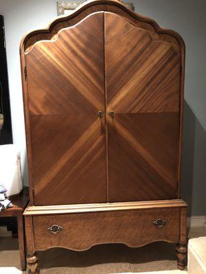 Beautiful Antique Armoire for Sale in Miami, FL