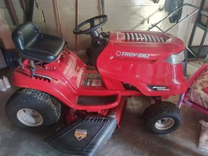 Troy-Bilt riding mower like new for Sale in Indianapolis, IN