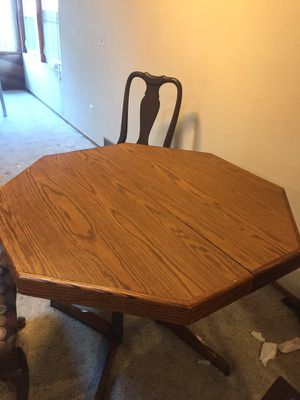 Dining table for Sale in Edmonds, WA