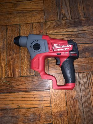 Milwaukee sds plus rotary hammer drill 5/8 size (brand new) for Sale in Hyattsville, MD