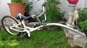 Schwinn Hitch Hiker Trailer Attachment Take your Child Safely with You !! Easy to use coupler lets you spend more time riding and less time getting r for Sale, used for sale  Bristol, PA