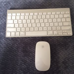 Apple Keyboard And Mouse Wireless for Sale in San Marcos, CA
