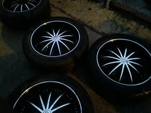 22 inch borghini rims for Sale in Chicago, IL