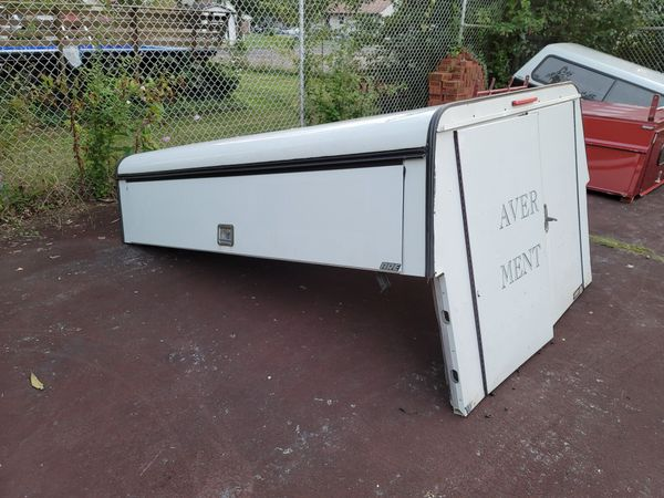 8 ft camper shell