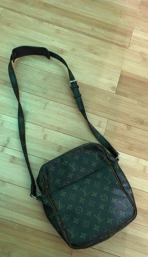 Vintage Louis Vutton messenger bag for Sale in Phoenix, AZ
