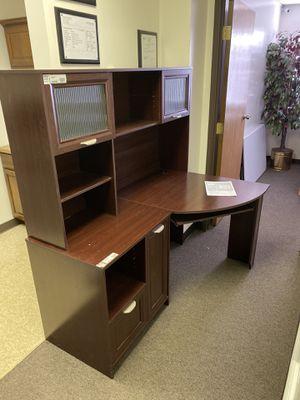 Office desk for Sale in Colorado Springs, CO