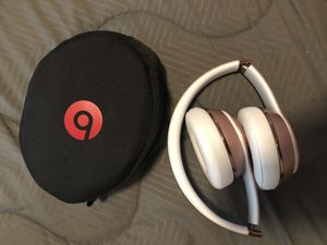 Rose Gold Beats Solo3 Wireless for Sale in Stanton, CA