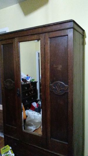Very old armoire for Sale in Pasadena, TX
