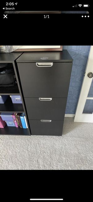 Brown file cabinet for Sale in Austin, TX