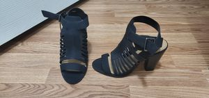 Black chunky heels size 7 for Sale in Homestead, FL