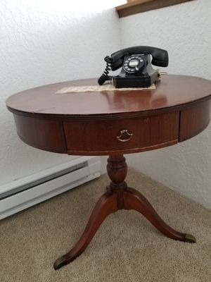 Large antique drum table for Sale in Kent, WA