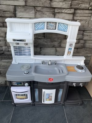 Kids kitchen ! Good condition ! for Sale in Vancouver, WA