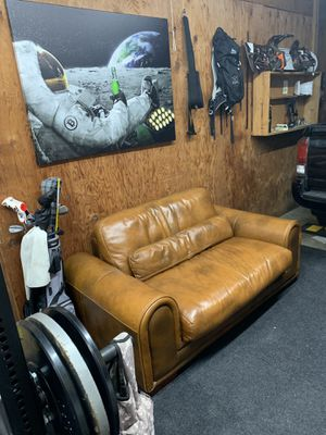Beautiful Leather Loveseat for Sale in Redondo Beach, CA
