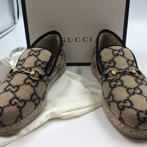 GUCCI NATURAL GG WOOL LOAFERS IN BEIGE Size 9 for Sale in Scottsdale, AZ