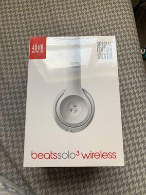 Beats solo 3 wireless never used still in plastic wrap for Sale in Hallandale Beach, FL
