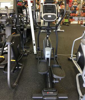 NordicTrack E7.5Z Elliptical with only 43 hours on it for Sale in Phoenix, AZ