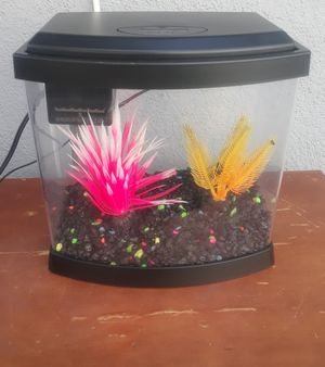 Fish tank 1 and a half gallon for Sale in Anaheim, CA