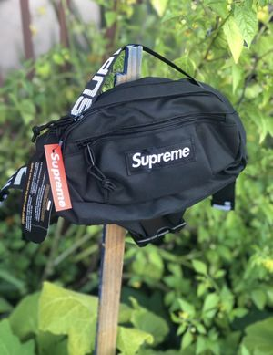 Supreme waist bag (ss18) for Sale in Fremont, CA