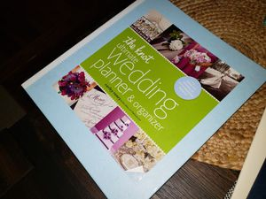 The knot wedding planner binder for Sale in Tarrytown, NY