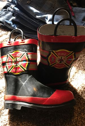 Western chief kids rain boots size 11/12 for Sale in Selma, CA