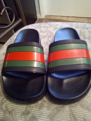 Gucci slides size 40 or 41 which is around a size 8 or 9 in USA (Read Below) for Sale in Phoenix, AZ