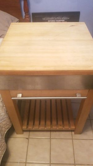 """Solid wood Chopping block island(24""""x24"""" for Sale in Austin, TX"""
