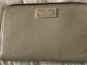 Kate spade travel wallet for Sale in Fairfield, CT
