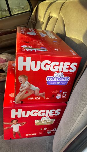 Diapers size 4 and 5 for Sale in Auburn, WA