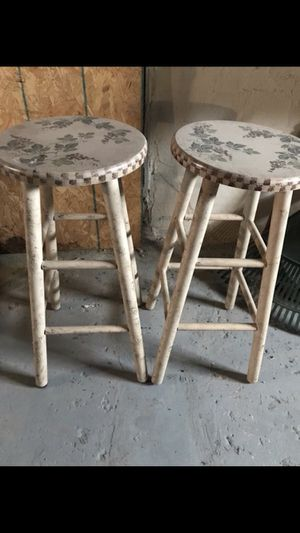 2 Decorative Stools for Sale in Pickerington, OH