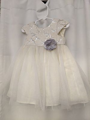Flower girl dress 12-18 months silver and white for Sale in Oviedo, FL