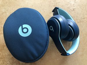 Beats by Dr. Dre Solo3 Wireless Pop Collection On Ear Headphones, Blue MRRH2LL/A Like new for Sale in El Monte, CA