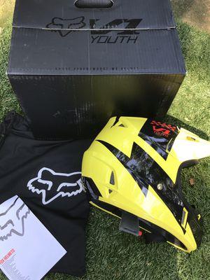 Fox V1 Mastar Motocross Helmet,Size YS,New for Sale in Atlanta, GA