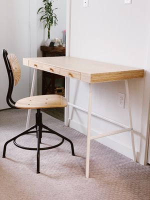 IKEA brand Desk & Chair Set for Sale in San Marcos, CA