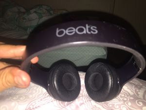 Beats Solo3 Wireless On-Ear Headphones (right side not working) works with aux both sides... for Sale in Monterey Park, CA