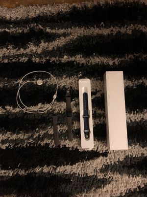 iWatch series 2, with extra sports band in grey for Sale in Dallas, TX