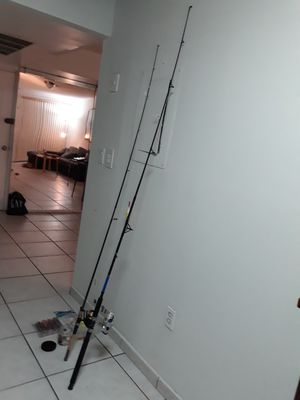 2 fishing rod plus accesories like new all $40 for Sale in Aventura, FL