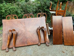 Free dining table for Sale in Walnut Creek, CA