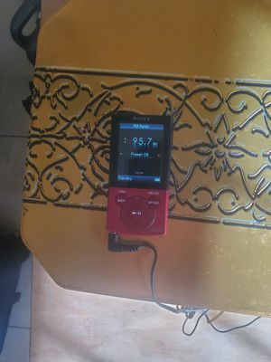 Sony mp3 player (Limited Edition) for Sale in Deltona, FL