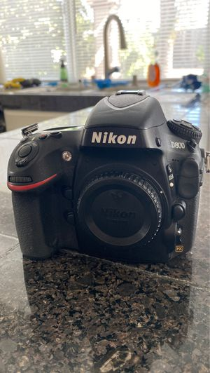 Nikon D800 DSLR Camera, Battery, Charger, and DVDs - $1,000 OBO for Sale in Chula Vista, CA