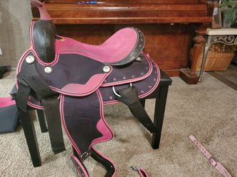 """15"""" saddle, bridal with snaffle bit, breast collar, saddle pad for Sale in China Spring,  TX"""